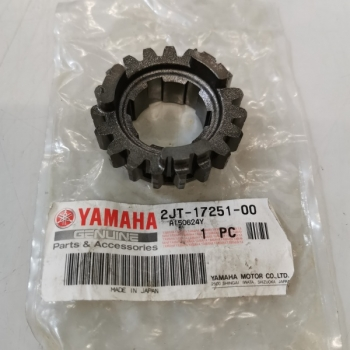 2JT-17251-00 YAMAHA OEM GEAR 5TH WHEEL