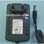 VOOLUADAPTER 230VAC 12V/2A DC